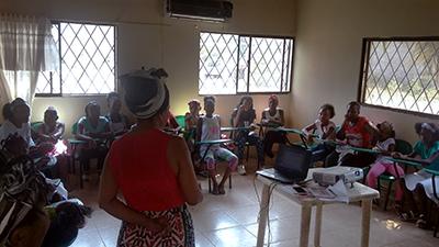 Niñas afroclombianas participando en encuentro